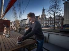 Gemeente Kampen komt schippers Bruine Vloot tegemoet