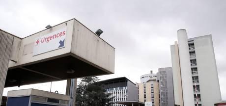 """19 nouveaux cas en France, une """"nouvelle étape est franchie"""""""