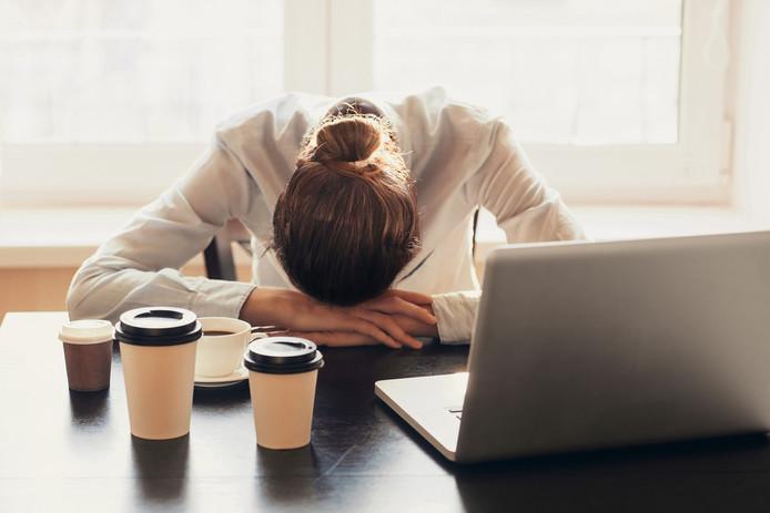 Foto ter illustratie. Werknemers met slaapgebrek zijn minder productief en maken meer fouten.