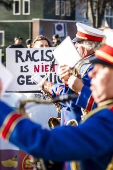 LIVE | Sint in Zaandam, rellen bij demonstratie Rotterdam