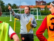 Oud-voetbalprof Hélène Heemskerk vindt tijd rijp voor volgende stap in meidenvoetbal