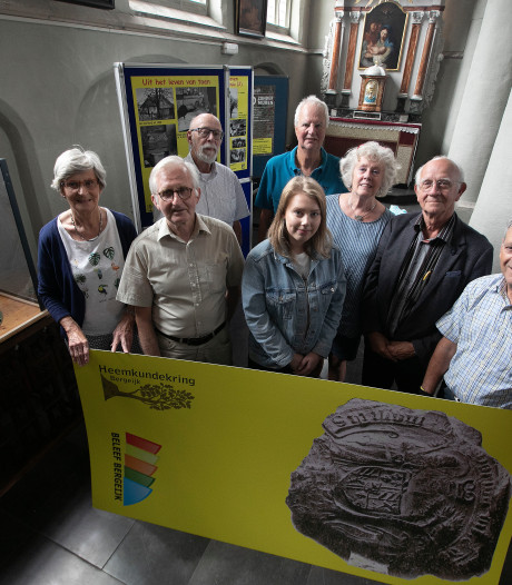 Expositie 550 jaar stadsrechten Bergeijk in Hofkerk