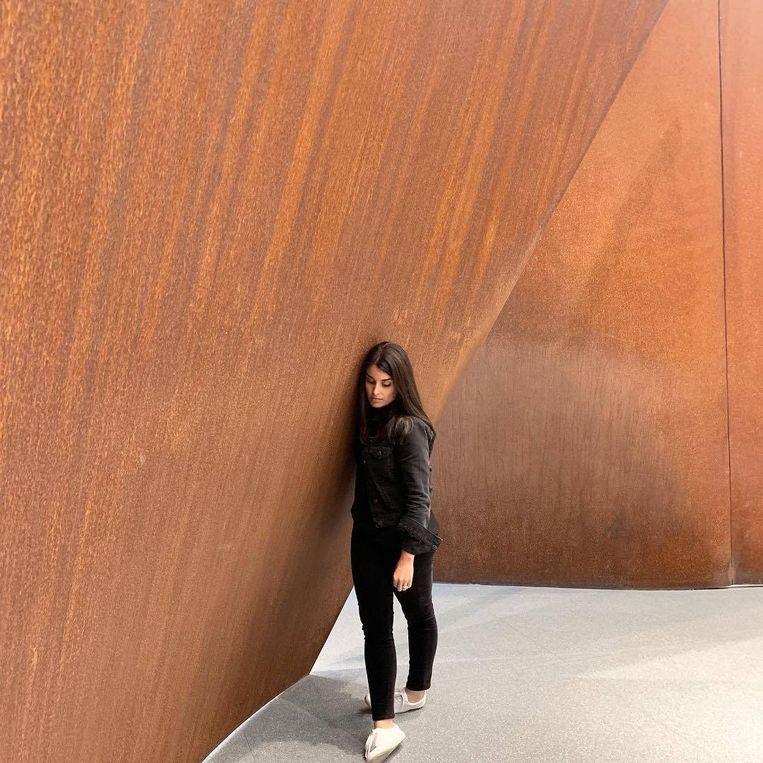 Bij 'Open Ended' van Richard Serra. Beeld