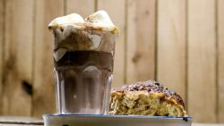 Voor zoetekauwen: Loïc maakt broodpudding