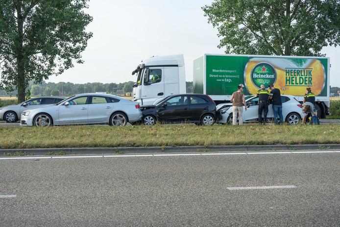 Kettingbotsing op de Wijchenseweg in Nijmegen.