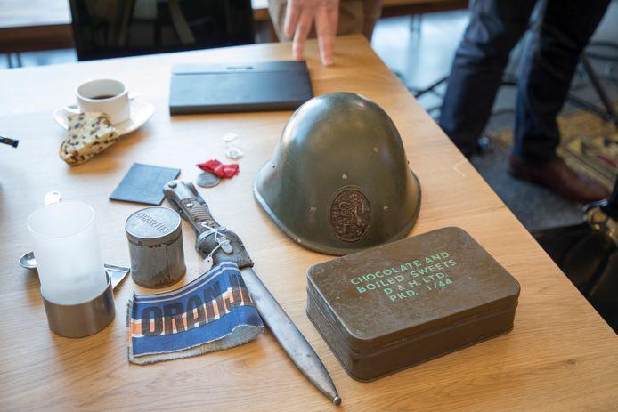 Bewaarde herinneringen uit de oorlogsjaren komen ter inspiratie op tafel bij het 'WO2-café' zoals dat op 2 april in de Eibergse bibliotheek wordt gehouden.