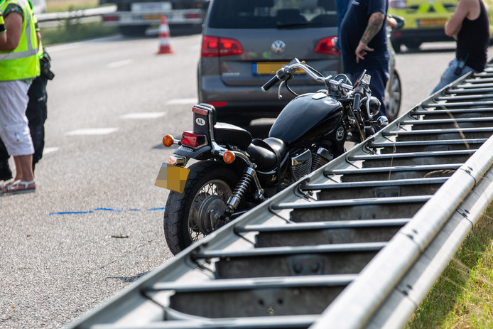 Motorrijder gewond bij ongeval op A17 bij Oud Gastel