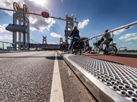 Nieuwe Kamper Ui? Ribbelplaten stadsbrug op verkeerde plek