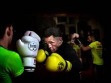 Holzken wint overtuigend in Singapore, tegenstander Haida verlaat aangeslagen de ring