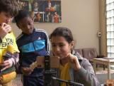 Deze leerlingen hebben een weekje geen les, maar leren in een 'kinderperscentrum'