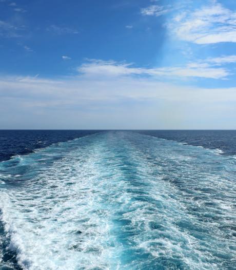 Eerste cruiseschip op gas naar Rotterdam