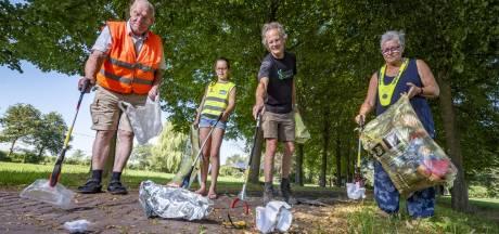 Gepensioneerde Jaap uit Geesteren runt succesvolle anti-zwerfvuil-app: 'Het zijn allemaal gratis stofzuigers'