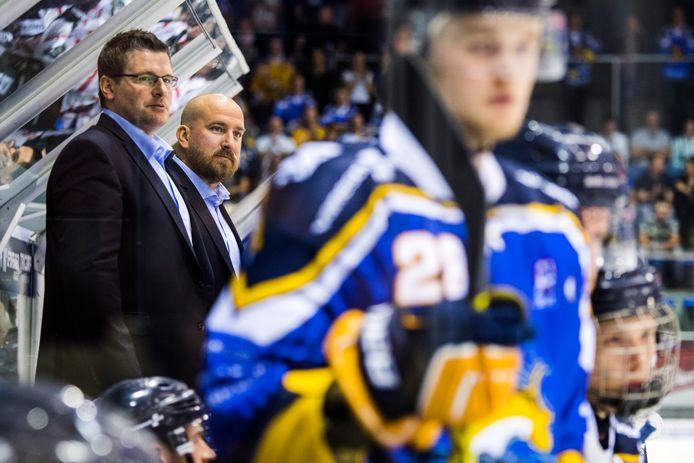 Coach Bo Subr en assistent-coach Josh Mizerek.