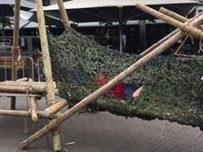 Het Osse centrum is even een jungle voor klauterende kinderen