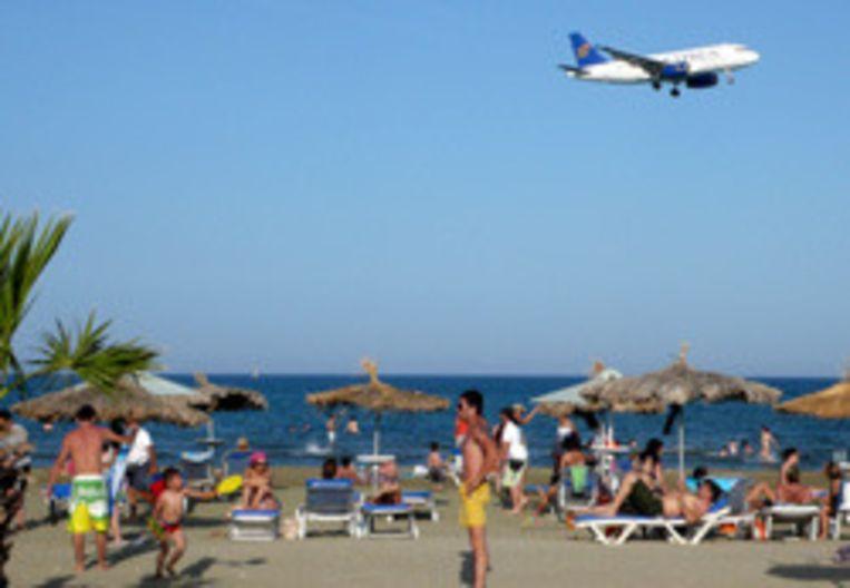Cyprus wil voorkomen dat touroperator Corendon begint met vakantievluchten naar noordelijk Cyprus. Foto EPA Beeld
