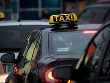 'Taxihandhaving moet efficiënter'