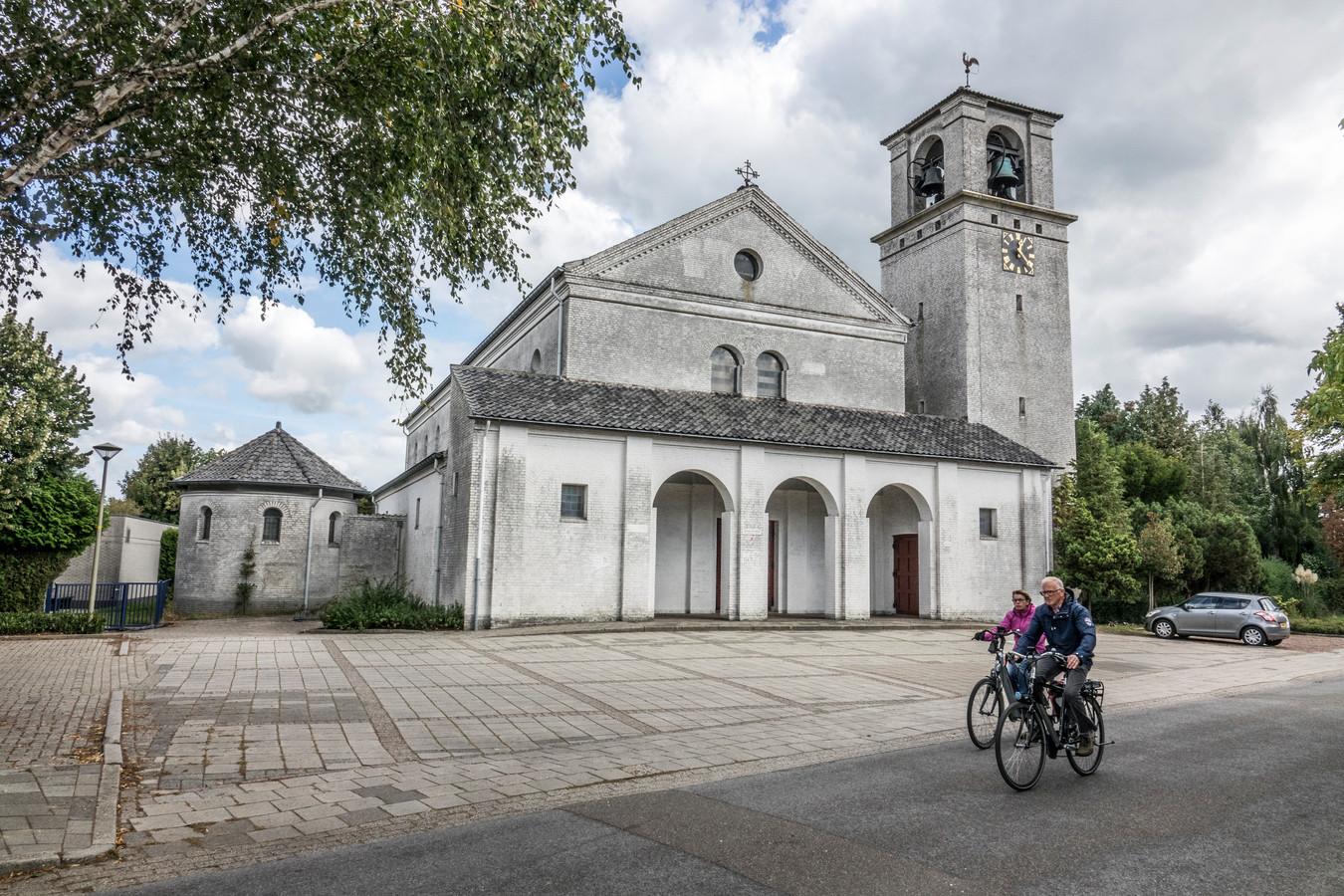 De Goddelijk Hart van Jezuskerk op De Horst. De kerk werd tussen 1951 en juni 1952 gebouwd als opvolger van de oorspronkelijke kerk in De Horst uit 1928 die in de Tweede Wereldoorlog verwoest werd.