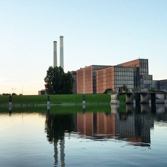 De energiecentrale Harculo, ook wel  IJsselcentrale genoemd.