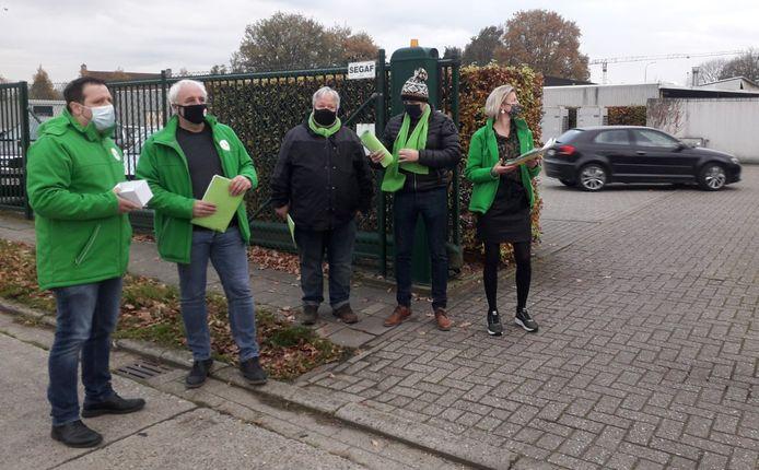 ACV-afgevaardigden voerden donderdag actie aan de inrit van het CMA in Herentals.