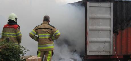Brand in papiercontainer bij DOS Kampen