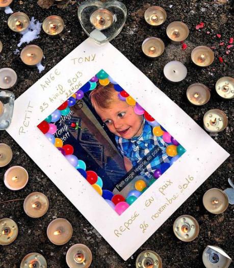 Un voisin jugé pour son silence après la mort de Tony, trois ans, sous les coups de son beau-père