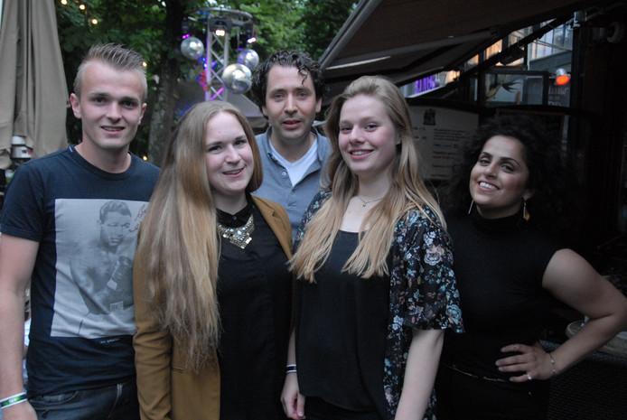 De organisatoren v.l.n.r. Mark Pels, Puck Smulders, Otto van den Groenendaal (supervisor), Kim van Ruiten en Maria Nerwa