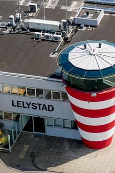 Dijksma: Onderzoek naar omstreden vliegroutes Lelystad
