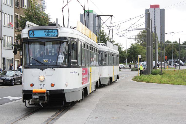 Tram 4 rijdt weer naar de Lelieplaats.