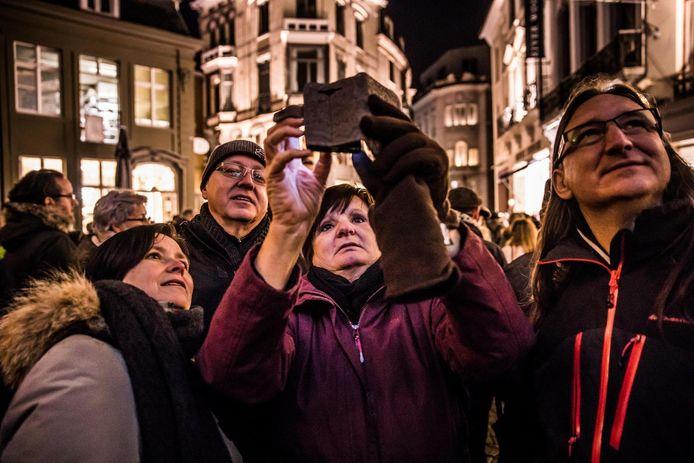 Het Lichtfestival nodigde heel wat mensen uit om foto's en selfies te maken.