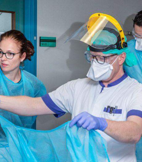 Tweede coronagolf in Zeeland, ziekenhuizen bezorgd: 'Dit komt veel sneller dan verwacht'