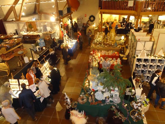 Zo'n veertig standhouders brachten de Voorste Vennen in kerstsferen.