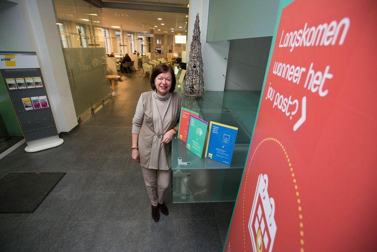 Burgemeester Frieda Brepoels op het administratief centrum.