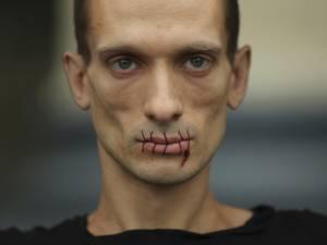 Qui est Piotr Pavlenski, l'artiste russe qui a publié les vidéos intimes de Benjamin Griveaux?