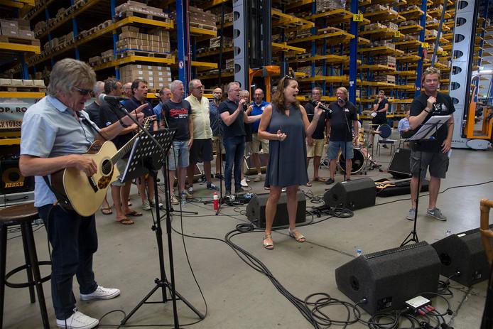 De repetitie van de Barghse Jongens en Bläck Fööss in 's-Heerenberg.