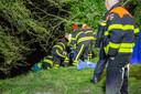 Een man belandde dinsdagavond in het water toen hij op een rubber bootje aan het varen was in Oudenbosch.