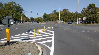 Definitief gedaan met keren aan Bloedput: paaltjes dwingen bestuurders door te rijden