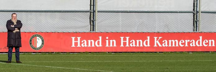 Dick Advocaat tijdens de training van Feyenoord in 2016 als adviseur van de technische staf van de Rotterdamse club.