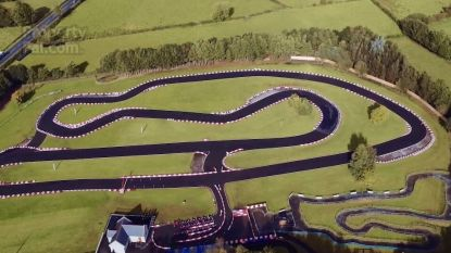 Te koop: villa met zwembad, fitness én 980 meter lange kartbaan