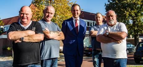 'Deventer Overlevers' gaan Asscher missen: 'Eindelijk iemand die écht luisterde naar zorgen van werkende Nederlander'