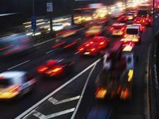 File in beide richtingen op A27 voor Merwedebrug door ongelukken