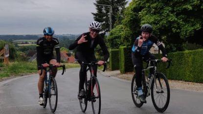 """Brecht en Mitch fietsen Kluisberg 143 keer omhoog: """"Laatste dertig herhalingen puur op karakter"""""""