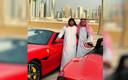 Twee van de verdachten bij een Ferrari in Dubai, op een door de politie van Goiás vrijgegeven beeld.