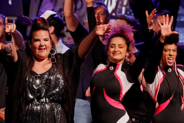 Israëlische zangeres Netta (links), de winnaar van het Songfestival, tijdens Eurovision in Concert vorig jaar. Beeld anp