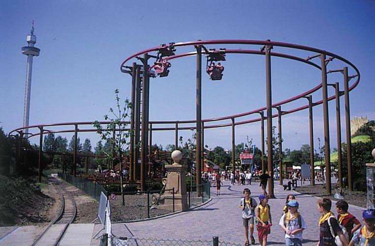 Een beeld van de opening in 2000. De Vleermuis was één van de eerste attracties in Plopsaland.