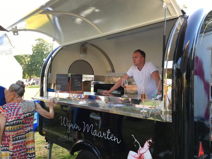 Wijnhandelaar Maarten zorgde voor een zomerbar.