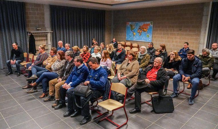 Van de 1.000 inwoners die Mesen telt, kwamen er dinsdagavond 19 naar de infovergadering.