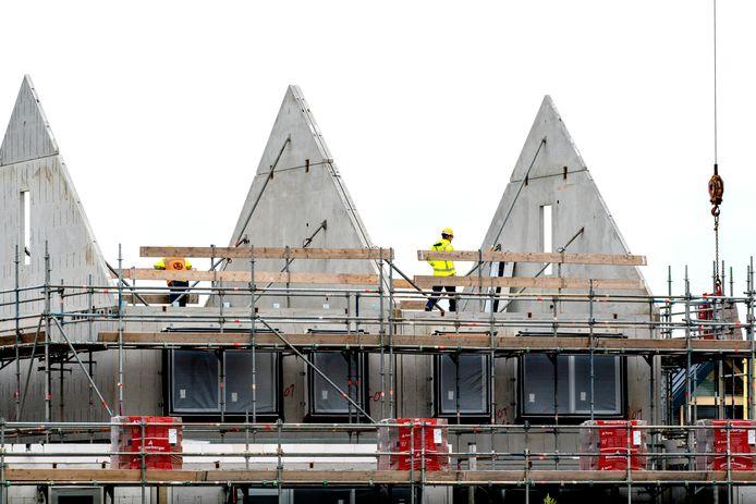 De prijs voor een vergunning om een nieuwbouwwoning te bouwen, gaat gemiddeld gezien omhoog.