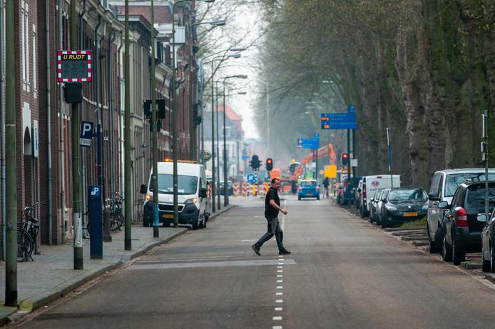 Vlakbij deze locatie aan de Zuid-Willemsvaart botste een automobilist vorig jaar tegen een andere auto en reed door.  De man stond deze week terecht bij de politierechter.