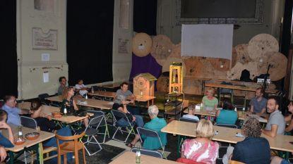 Ouders in debat over opgroeiende pubers op Lokerse Queesten