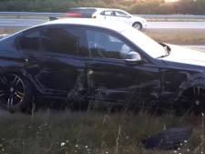 'Levensgevaarlijk': bestuurder Mercedes snijdt vlak voor afrit BMW af op A325